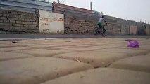 amine stunter : stoppie / endo [ stunt - marrakech - morroco ]