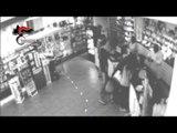 Napoli - Minorenne armato e mascherato rapina farmacia (03.09.16)