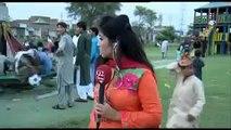 Pakistani woman Journalist clip becomes viral