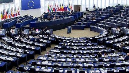"""Eva Joly : """"La passivité de Juncker face aux scandales Barroso & Kroes met en danger la légitimité de la Commission euro"""