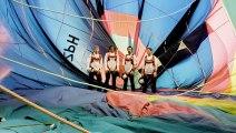 Ils font de la balançoire géante entre deux montgolfières à 1800 mètres d'altitude