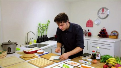 How to make Futomaki Roll