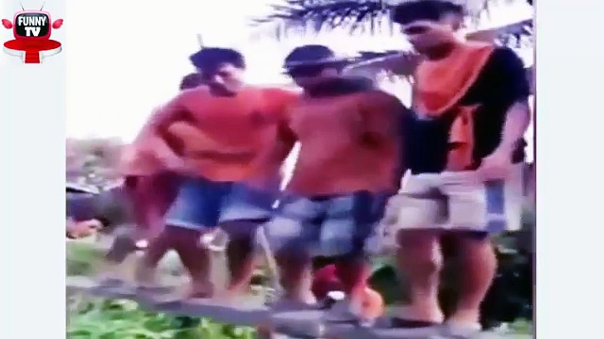 Whatsapp Funny Videos 2016 __ Indian Funny Videos 2016 New __ It happens only in india 2016