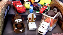 Popemobile 8-pack Disneystore Cars 2 Pope, Mater, Luigi, Guido, Mcqueen Uncle Topolino Disney Pixar