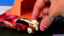 Play Doh McQueen & Sally Kissing Valentines Day new Play Dough Movie Moments Disney Pixar Cars