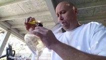 Il se lance le défi de fumer le piment le plus fort du monde