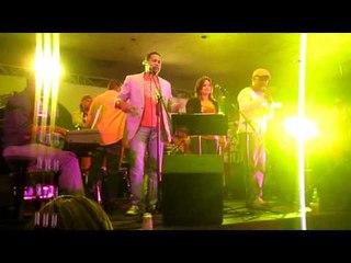 Cantante de la Kshamba se cae