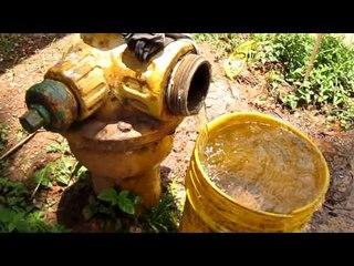 Desperdicio de agua en plena vía