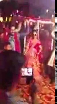 Hot Dulhan Funny Dance | Wedding Dance Videos | Dancing Bride | wedding dance mujra