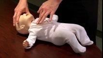 Votre enfant ne respire plus Ce simple geste pourrait lui sauver la vie! Tous les parents devraient le connaître.