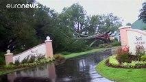 """Matthew continua a far paura anche se è stato declassato a """"Tempesta topicale"""". Pericolo inonadzioni in North Carolina"""