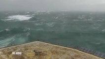Etats-Unis: il brave l'ouragan Matthew du haut d'une plateforme maritime