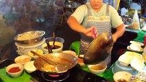 Une cuisinière Thaïlandaise qui déchire!