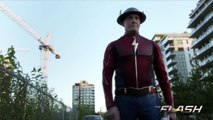 The Flash 3x02 - Jay Garrick Explains Time Travel to Barry Allen