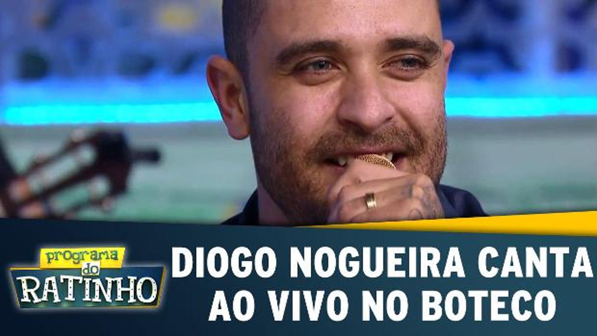 Diogo Nogueira canta ao vivo no Boteco