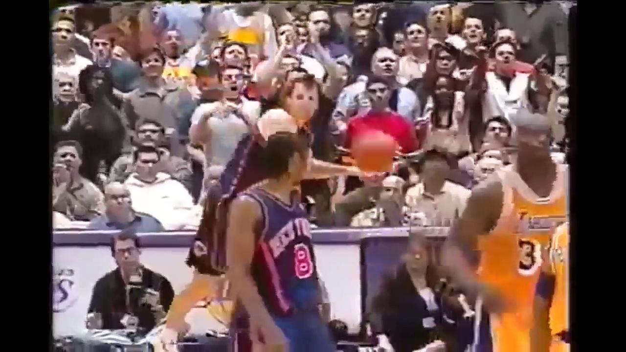 Compil de baffes et fights en matchs de basketball NBA