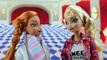 Frozen Elsa Freezes Hans when Hans Steals Annas Dress and Crown. DisneyToysFan