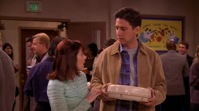 Everybody Loves Raymond - S 6 E 20 - A Vote For Debra