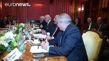Crisi siriana: russi e turchi ne discutono in Svizzera, ma sono per ora contrapposti sul terreno