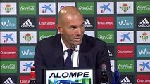 Zinedine Zidane- Isco- Zufrieden mit seiner Leistung - Betis Sevilla - Real Madrid 1-6