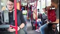 Un groupe de musique se déguisent en conducteur de bus et en voyageurs pour surprendre les gens !