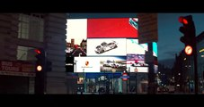 Porsche 919 Hybrid and the new Panamera 4 E-Hybrid surprise the streets of London