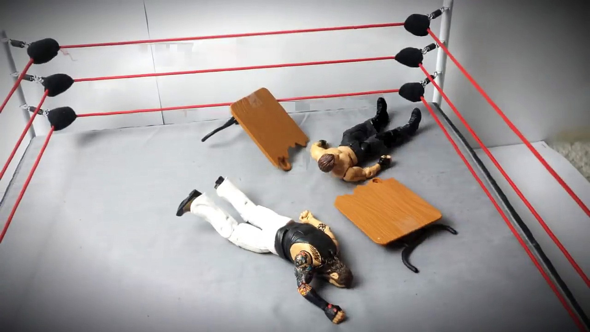 10 elbow drops that will smash your chest: WWE Fury