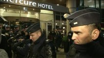 Foot - L1 - OM : Les CRS sécurisent l'hotel des Marseillais