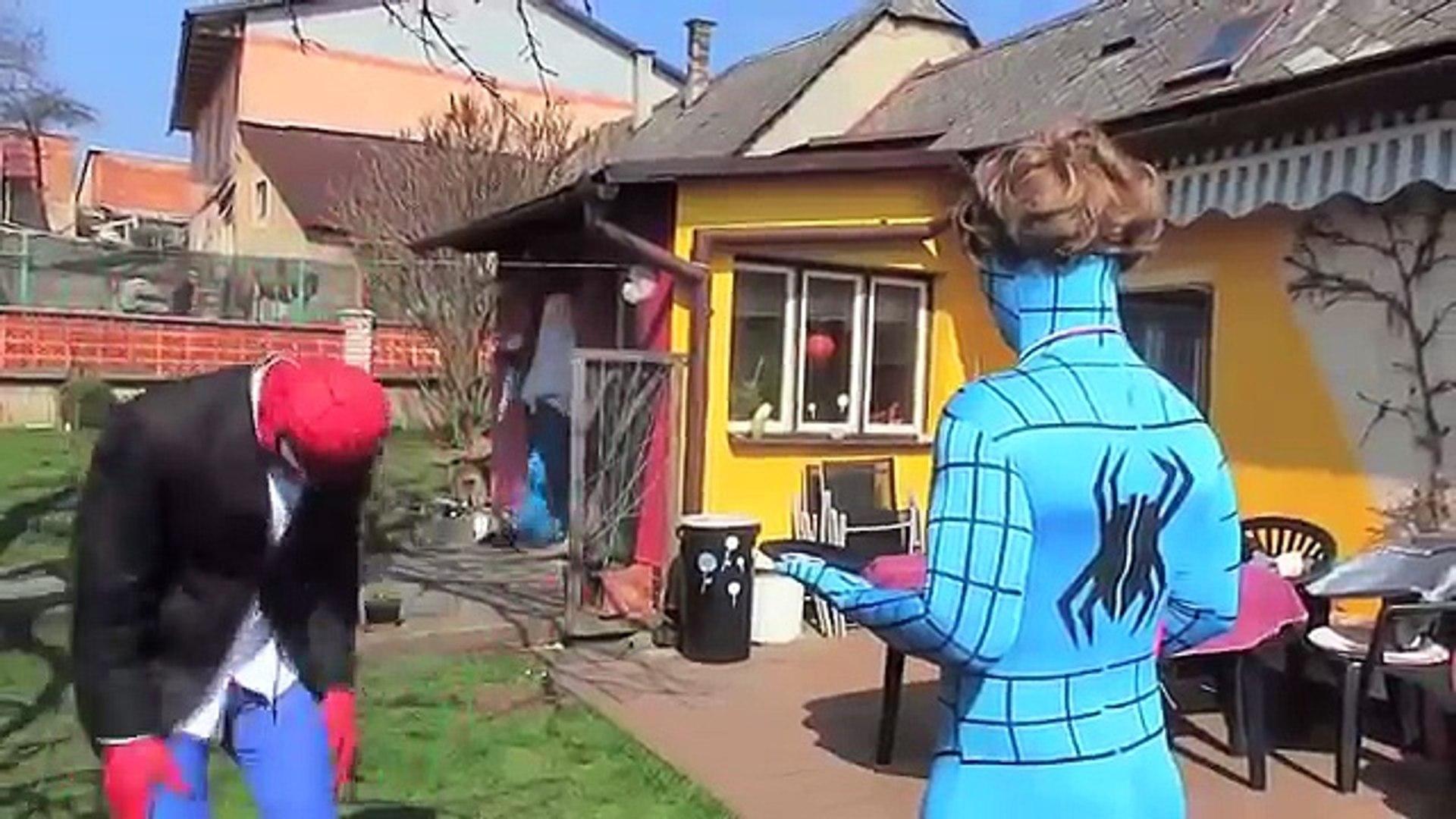 Эльза Заболела   Эльза и Человек паук Анна Малефисента Мультфильм На Русском Языке 4
