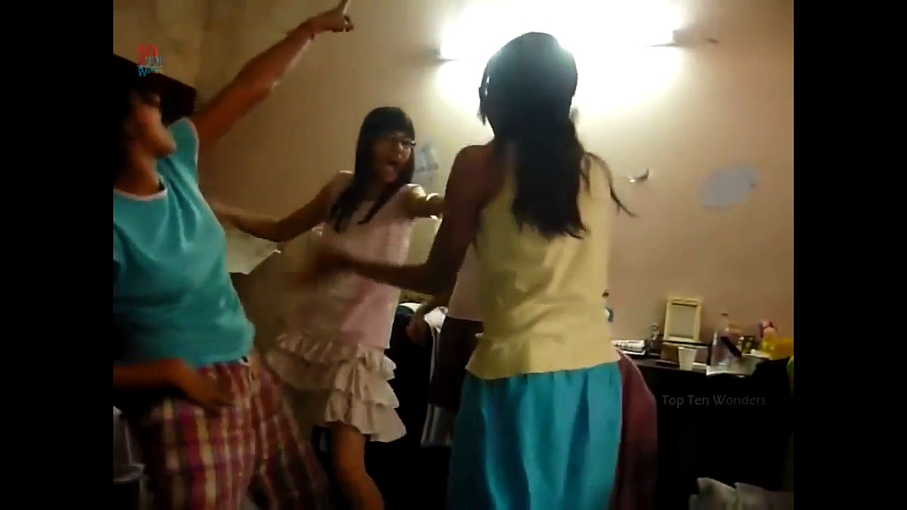 Hyderabad Drunk Hostel Girls Dancing In Room | Viral Videos | Whatsapp Funny Videos
