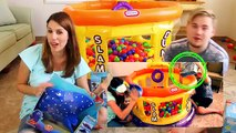 FINDING DORY Giant Surprise Ball Pit HUGE Dory & Nemo Toys Marine Life Institute Swimmers & Games