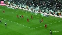 Vincent Aboubakar place une virgule et inscrit un but fou