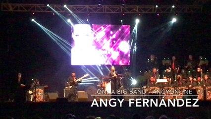 """Angy canta """"Te dejé marchar"""" de Luz Casal, en el concierto con la banda Onda Big Band"""