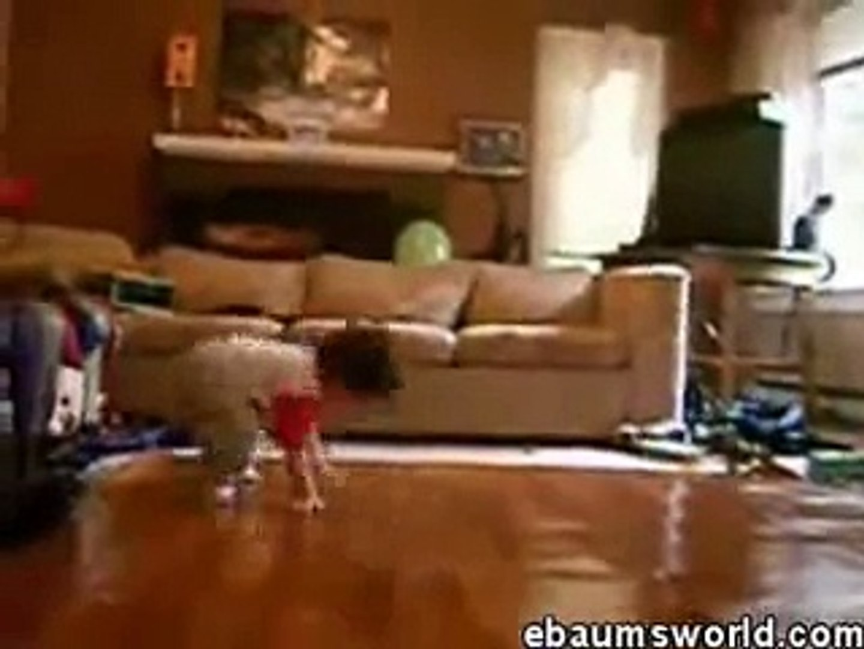 Bebe Baila Break Dance!! INCREIBLE ★ bebes divertidos   risa bebe   bebes chistosos   bebe humor