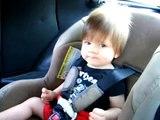 Bebe Disfruta Del Metal! ★ bebes divertidos   risa bebe   bebes chistosos   bebe humor