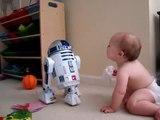 Bebe Hablando Con R2D2! MUY DIVERTIDO! ★ bebes divertidos   risa bebe   bebes chistosos   bebe humor