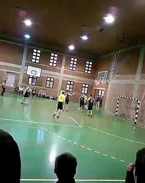 Ivan Miljkovic Br. 5 / KK Kragujevac 96 pobedio Play Off iz Uzica/