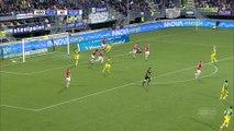 Wuytens gets knocked out by the ball - Den Haag vs AZ Alkmaar 30-10-2016 (HD)