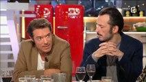 """Nicolas Bedos tacle sévèrement l'émission """"Ambition intime"""" de Karine Le Marchand - Regardez"""