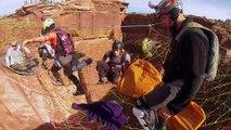 Saut en parachute à 120m du sol dans un Canyon !! Dingue et vertigineux!