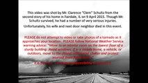 USA: un homme filme une tornade qui fonce droit sur lui ! impressionnant !