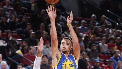 Steph Curry Lights Up Trailblazers in 3rd Quarter