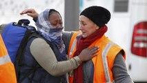 Γαλλία: Με δάκρυα οι τίτλοι τέλους στη «ζούγκλα» του Καλαί