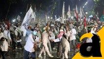 Massa Pendemo Masih Bertahan Depan Istana Merdeka
