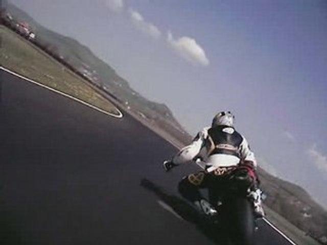 Kawasaki ZX6R vs Honda 600CBR
