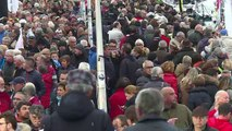 Vendée Globe: à 36 heures du départ, le ponton pris d'assaut pa