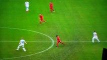 La superbe frappe en plaine lucarne qui sèche complètement Manuel Neuer !