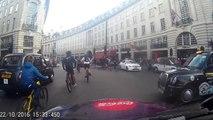 Cycliste à Londres ? Même pas peur du feu rouge LOL