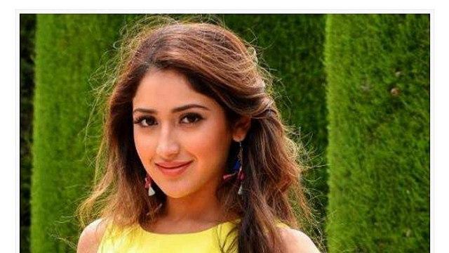 sasha sahgal like salma khan   pakistani dramas indian dramas film bin roey drama sanaam drama dewana drama r