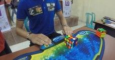 Jovem de 20 anos resolveu Cubo de Rubik em apenas 4,74 segundos
